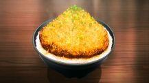 Yukihira Soma presented Chaliapin steak don for Kuraki Shigeno, Bitou Yoshiki & Okamoto Katsunori to taste. (Shokugeki no Soma ep7)